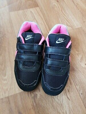 Nike ,girls ,black/pink Trainers Size Uk 1