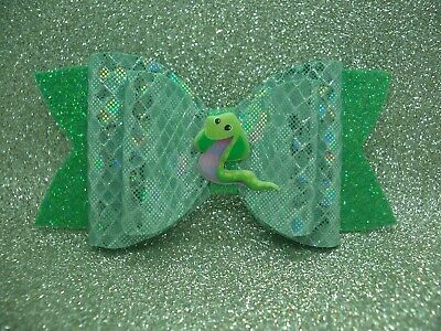 HAND MADE LITTLE GIRL'S SNAKE SPARKLY GREEN HAIR BOW CLIP 11 cm WIDE