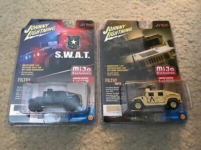 Johnny Lightning 1:64 Hummer Humvee Military & Police S.W.A.T. Lot OF 2 Cars