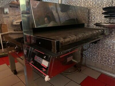 commercial pizza oven conveyor with pizza /deli fridge canopy