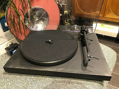 Pro-Ject Debut 2 ii Carbon matt black turntable brand new ortofon 5E Stylus