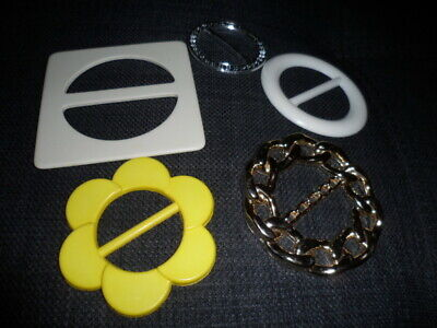 5 Lovely Vintage  mixed  plastic buckles