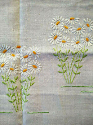 Charming White Daisy Flower Circle  Vintage Hand Embroidered Tablecloth