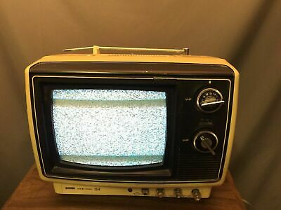 "Sears Solid State 9"" Dial TV Vintage Model 562.40092500 Made In Japan"
