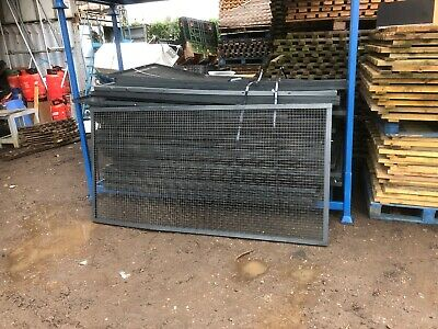 Mesh panels, dog runs, fencing, metal grid panels. X 4ft x 8ft 50 available