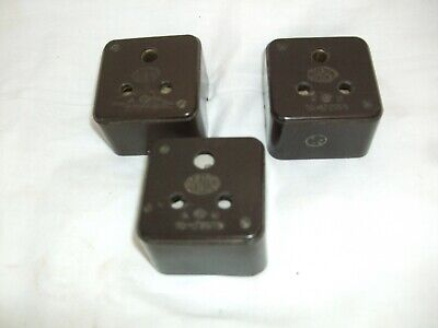 Three Vintage 5amp bakelite sockets unswitched with pot base