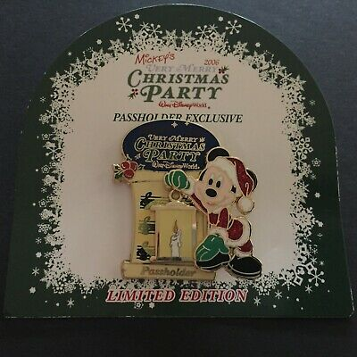 WDW Passholder Exclusive Mickey Very Merry Christmas Party 2006 Disney Pin 50993