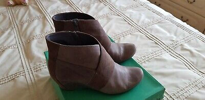 Ladies grey soft Leather CLARKS boots low Wedge Size 7 Exc Condition.
