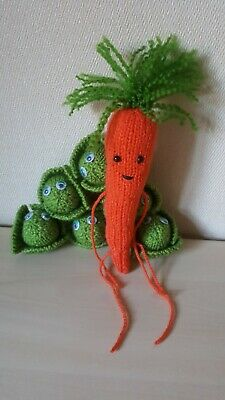 KNITTING PATTERN Christmas Kevin the Carrot inspired Gift Bag and Decoration