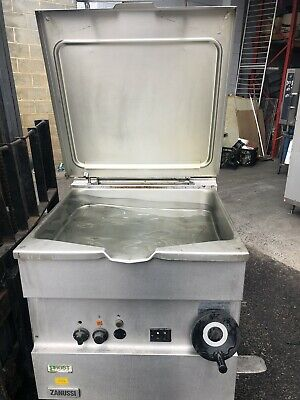 Zanussi Bratt Pan In Excellent Working  Condition Very Little Use