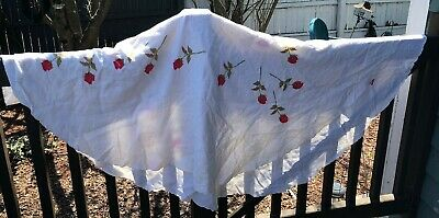 Vintage Tablecloth Round Tablecloth Red Roses Long Stem SHABBY COTTAGE CHIC