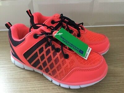 Lovely pair Girls trainers mountain warehouse pink rrp £29.99 BNWT size 13