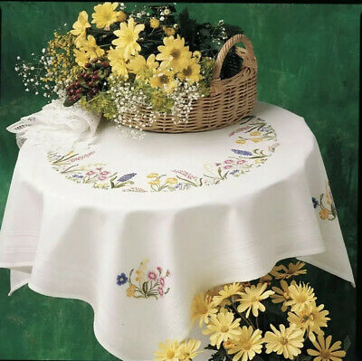 ANCHOR | Embroidery Kit: Spring Garland - Tablecloth | ETW14 - Christmas Present