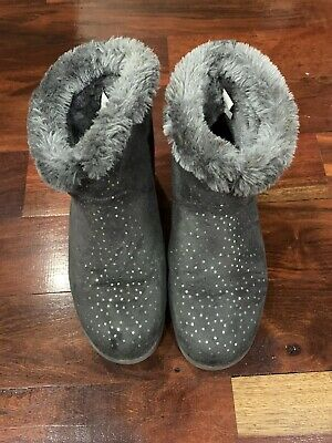 Girls Grey Boots With Silver Sparkles. Size 5 Grade School. Gently Worn