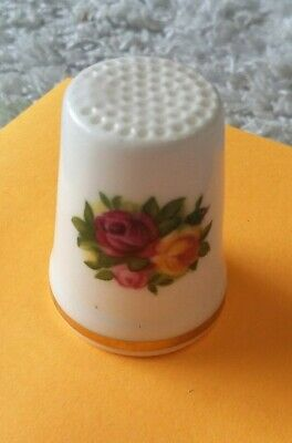 Royal Albert. Old Country Roses. Bone China. Thimble. Collectable. Ornament.