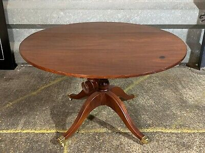 Antique Victorian Edwardian mahogany breakfast loo table on brass castors dining