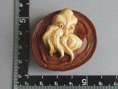 19th century antique boxwood japanese netsuke octopus and abalone Meiji period