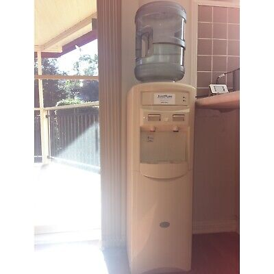 Hot and cold, water dispenser