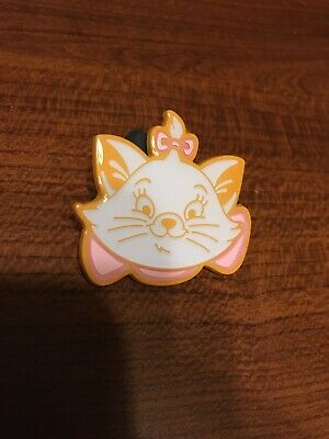 Disney Mickey's Very Merry Christmas Party 2019 Marie Chaser Pin LE 800