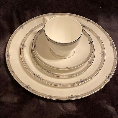 Wedgwood Amherst 5 Pc Place Setting Dinner Plate Lunch Bread/Butter Cup Saucer