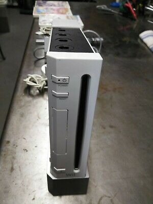 Nintendo Wii White Console with games and accessories