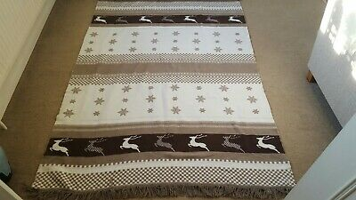 Lovely christmas reindeer throw/blanket 180cm X 130cm. Washable. Used.