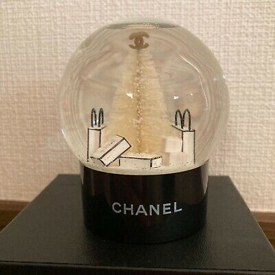 CHANEL Snow Globe White Christmas Tree VIP Customer Limited Novelty Benefit Used