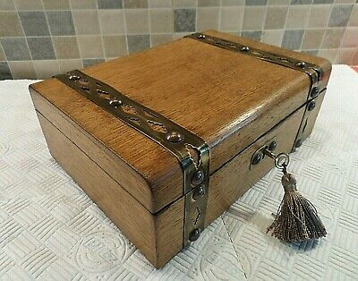VICTORIAN 19thC BRASS MOUNTED OAK BOX WITH NICE RELINED INTERIOR - LOCK & KEY