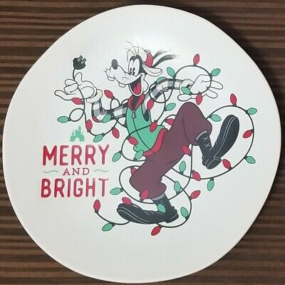 New Disney Parks 2019 Christmas Holiday Goofy Salad Dessert Plate Merry & Bright