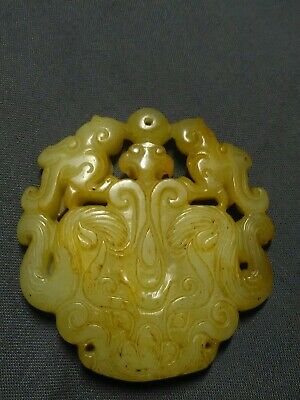 Collectable Chinese Hand Carved Jade Stone birds feathers Pendant Amulet Netsuke