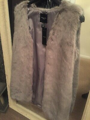 New NEW LOOK Women's Grey Faux Fur Gilet  Size 6 Petite Will Fit 8/10