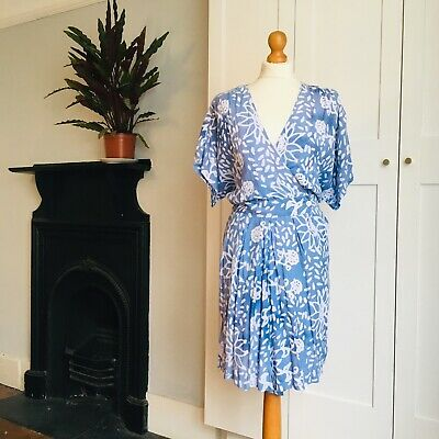 Vintage 90s Blue White Batik Effect Floral Print Wrap Playsuit 16