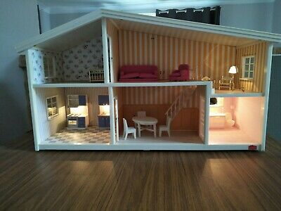 Vintage Lundby Dolls House With Working Electrics