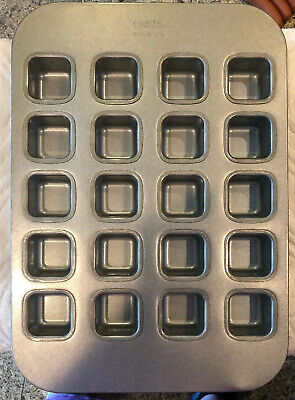 Chicago Metallic Square Muffin Pan, 20 Forms Professional Bakery Grade
