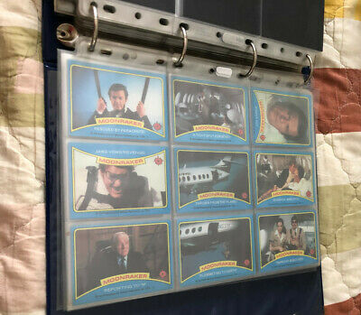 007 spy cards Binder with diffrent gum cards from James bond