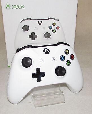 Official Xbox One 3.5mm Wireless Controller - White 1708 IP1849