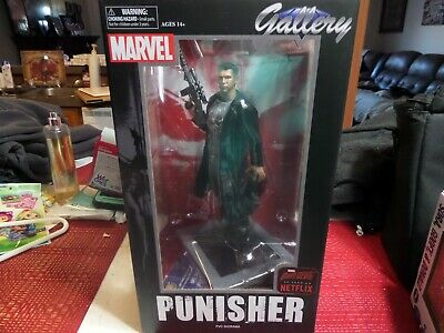 Marvel Punisher Gallery Figure With Daredevil Mask