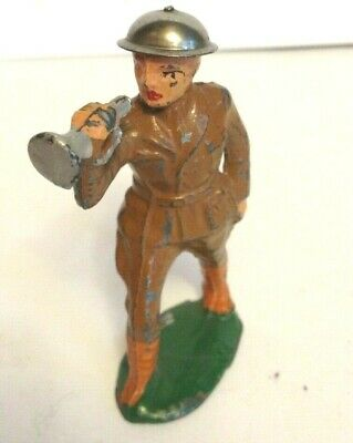 BARCLAY DIME-STORE,  SOLDIER with bugle military attacking enemy, MANOIL toy