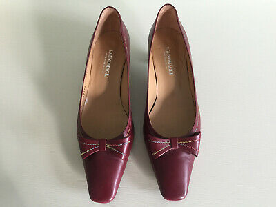 Vintage Bruno Magli Wine-coloured low heel day shoe size 41 worn once