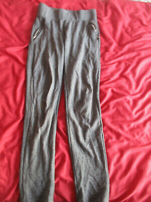 Girls size 4 grey jogging bottoms from Primark
