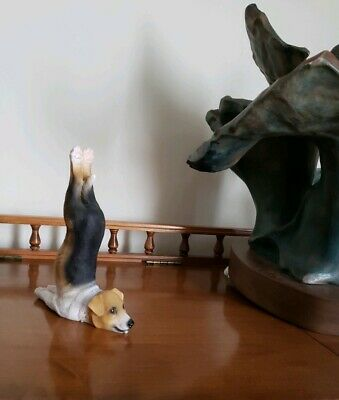 Design Toscano Terrier Beagle Figure Dog Handstand Gymnast Gymnastics Near Mint