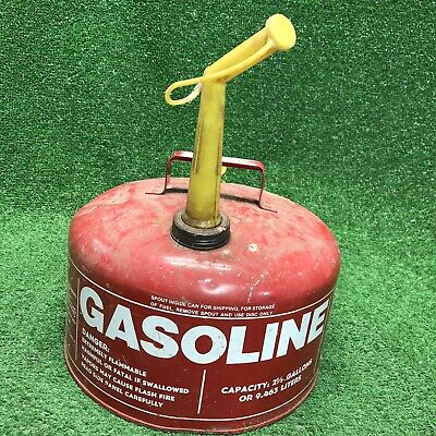 Vintage Galvanized Metal Gas Can Chilton 2-1/2 gal Vented W/Spout 2.5 Gallons