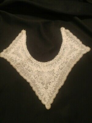 "Antique Lace Collar Intricate Floral Lovely 14 x 16 "" Large White pointed."