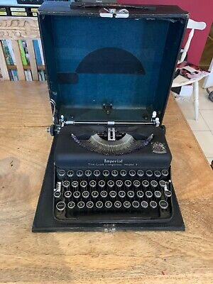 Vintage 1940's BLACK Imperial The Good Companion Model T Typewriter & Case