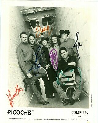Ricochet 1997 autographed 8x10 black white publicity photo hand signed by all 6