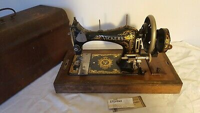 1920's British VICKERS 'Modele De Luxe' Hand Crank Sewing Machine [PL2861]