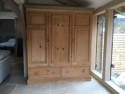 Beautiful Antique Pine Triple Wardrobe, Early Georgian.