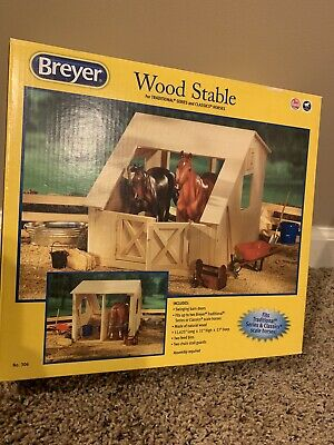 NEW Breyer Traditional Series Run-In Barn Wooden Horse Stable
