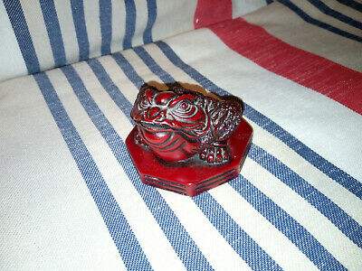 Heav Resin Oriental / Chinese Toad Ornament