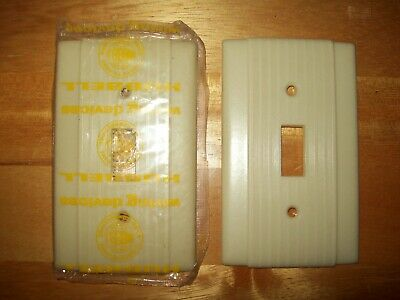 2 Vintage Hubbell Tuxedo Ribbed Ivory Bakelite Uniline Switch Plate Covers Nos